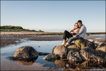 Engagement_photo_alnwick_Alnmout_North_East-13