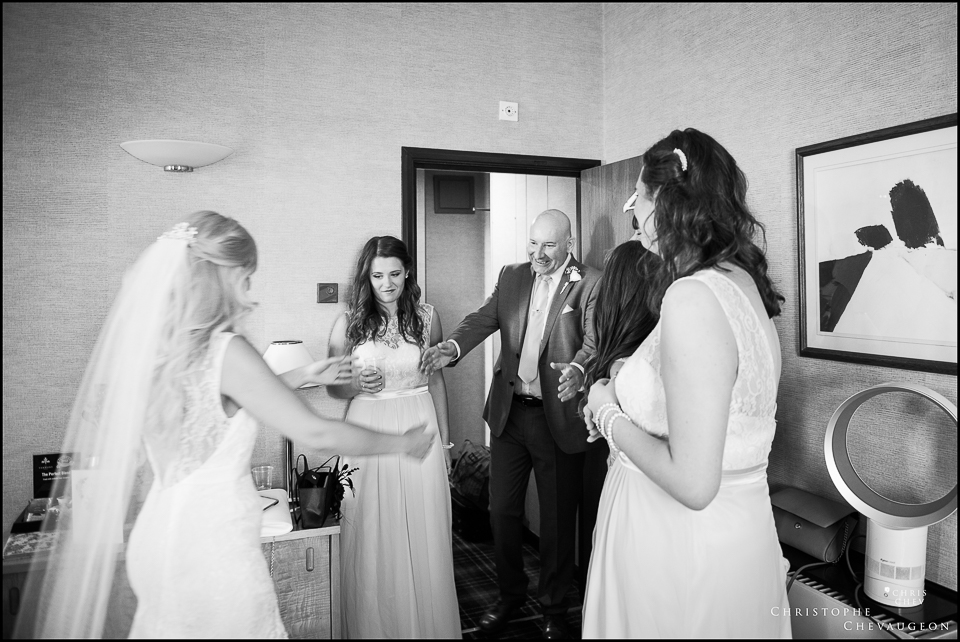 Newcastle Vermont Hotel Wedding Photography father discovering his daughter in her wedding dress
